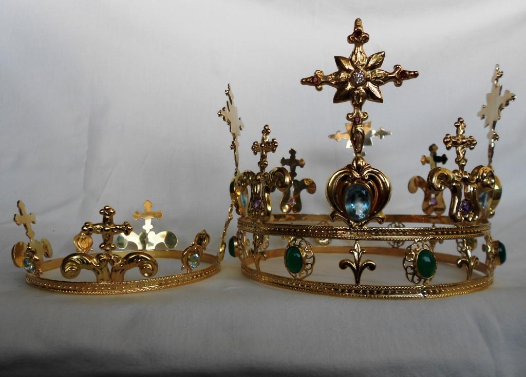 Madonna della Pace, in dono la corona benedetta da Papa Francesco