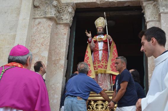 A Termoli la processione a mare di San Basso