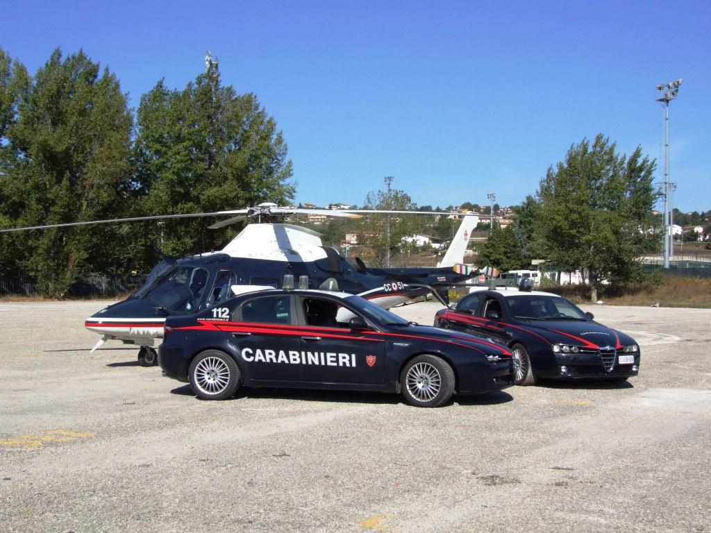Controlli serrati dei carabinieri: identificate 200 persone
