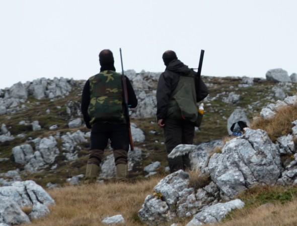 A caccia nell'oasi, denunciati due bracconieri campani