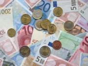 Euro_coins_and_banknotes.jpg