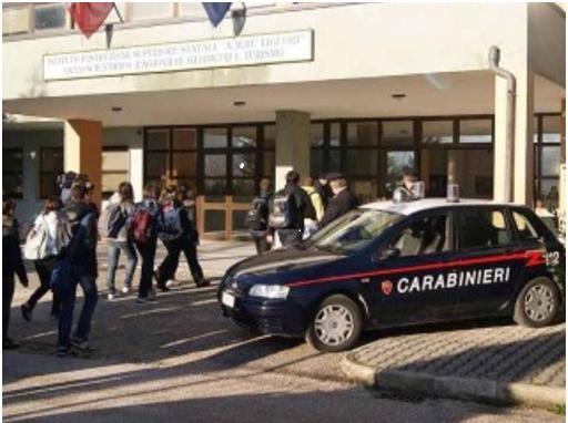 Dispersione scolastica, genitori denunciati dai Carabinieri