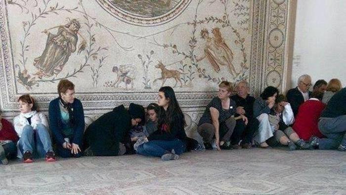 Attentato di Tunisi, solo spavento per sei turisti molisani