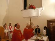 foto-vescovo-Bregantini-parroco-don-Di-Nardo-e-presbiteri-CB.jpg