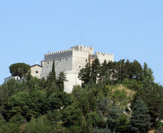 Sabato un convegno sul Castello Monforte