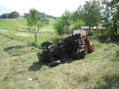 Travolto dal trattore, muore a 52 anni