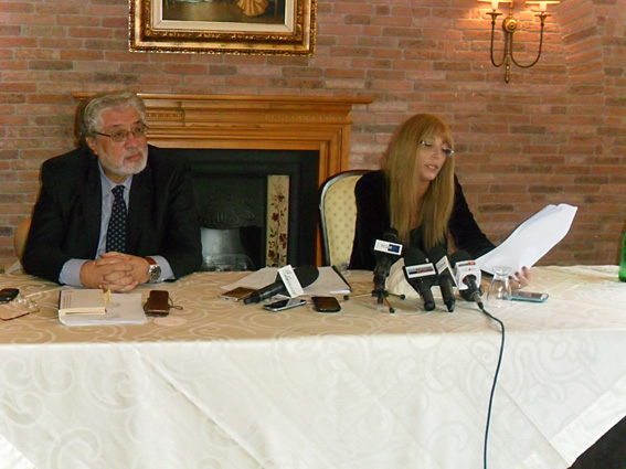 Ricatti, Manuela Petescia respinge le accuse: tutto inventato da Frattura