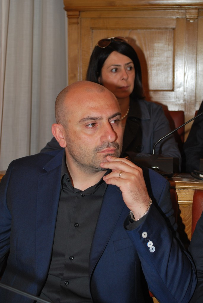 """Cardarelli smantellato, i 5 Stelle accusano Frattura: """"Un blitz illegittimo"""""""