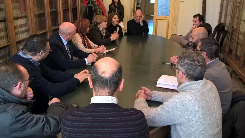 Scuola di via Crispi, i genitori respingono la soluzione del sindaco Battista