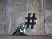 street-art-meets-contemporary-social-media-culture-designboom-07.jpg