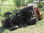 trattore-ribaltato-ok.jpg