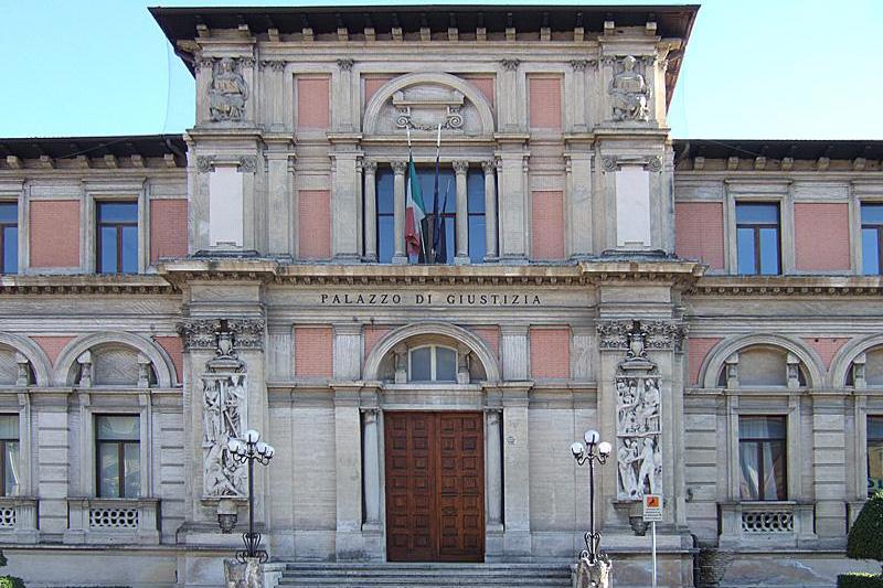 Mancato versamento di Iva della società Sorgente Santa Croce, Colella a giudizio