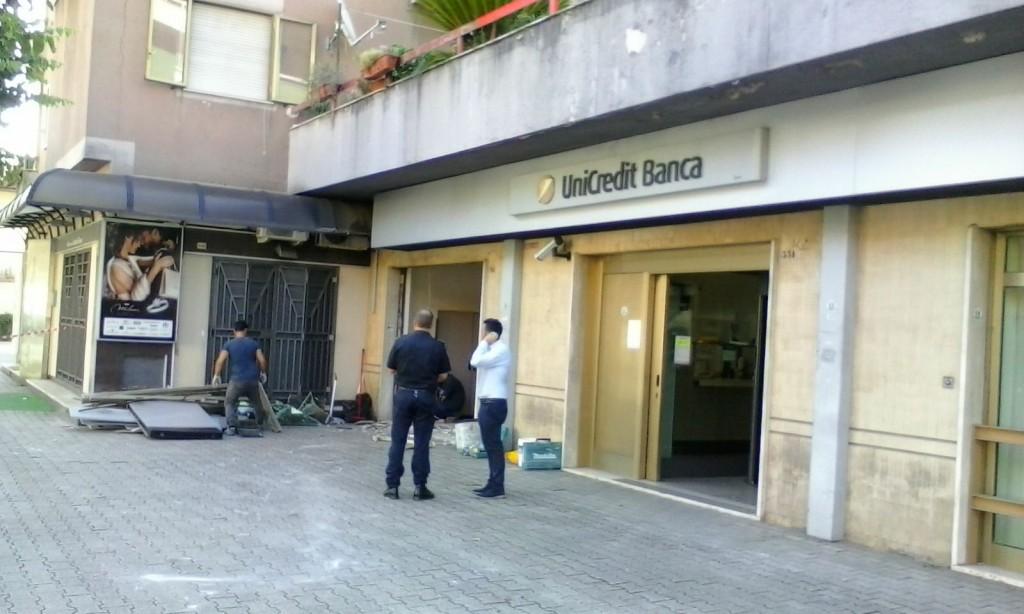 Venafro, asportato il bancomat dell'Unicredit