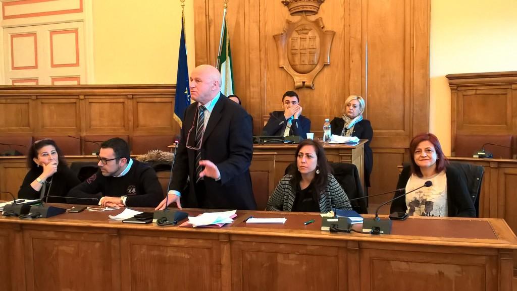 Maggioranza in conclave a Palazzo San Giorgio, non c'è l'ok a Battista