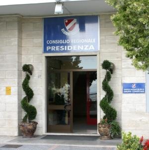 Scarabeo, Lattanzio e Totaro rompono gli indugi: porteremo la nuova legge elettorale in consiglio regionale