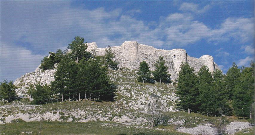 L'antico castello diventa un 'resort', via al concorso di idee a Roccamandolfi