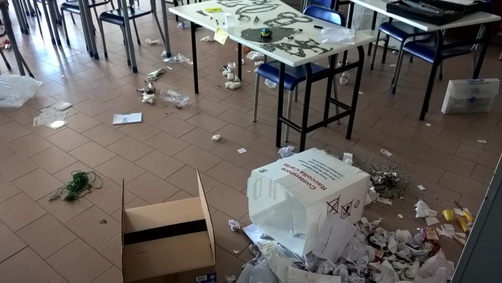 Vandali alla Petrone, Iacobucci 'scarica' le colpe sugli studenti. Cretella: «Chieda scusa»