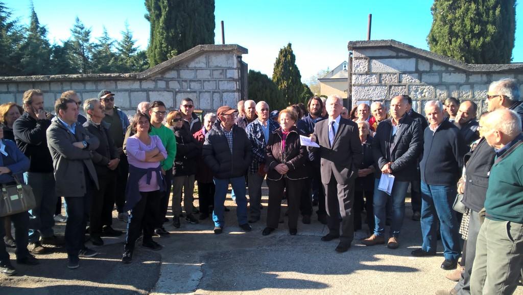Vietato morire a Santo Stefano, la 'profezia' si avvera: cittadini in rivolta