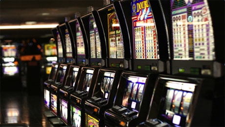 Slot machine a orario, il Comune mette un freno al gioco d'azzardo