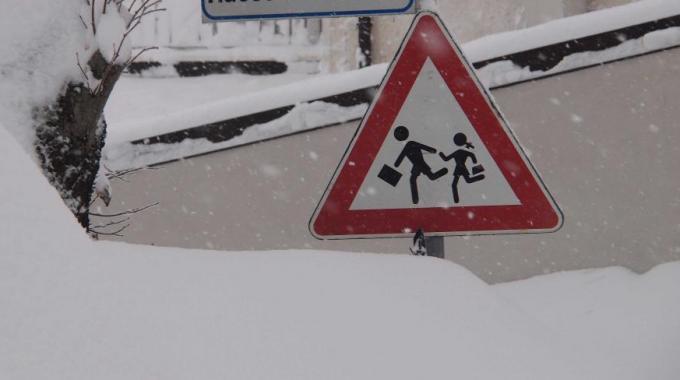 Neve e maltempo, le scuole chiuse sul territorio