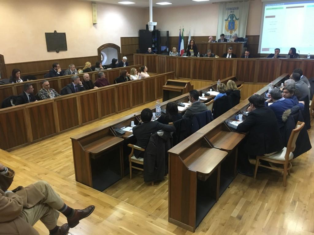 Isernia è stufa e si ribella:«Legge elettorale equa o andiamo con l'Abruzzo»