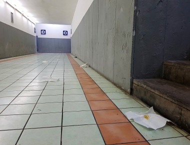 stazione-venafro-cacca-nel-sottopassaggio.jpg