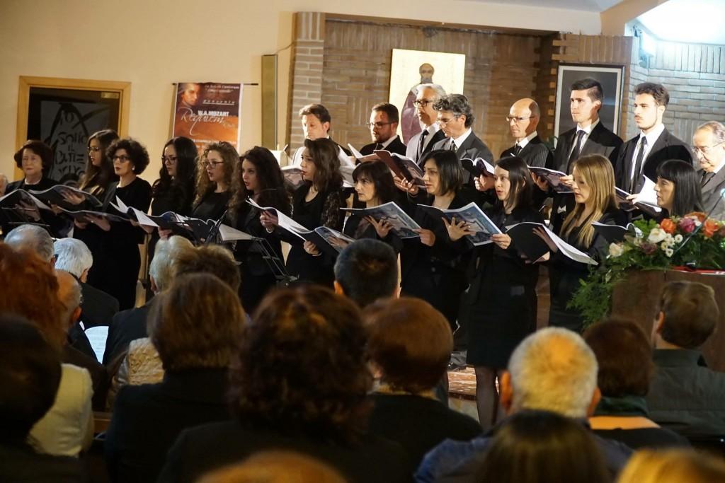 """Venafro: Requiem Kv626 di Mozart, la schola cantorum """"Lino Cappello"""" incanta la città"""