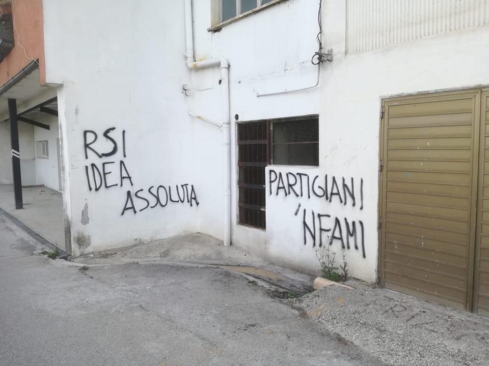Venafro, le scritte fasciste diventano un caso: interviene l'Anpi