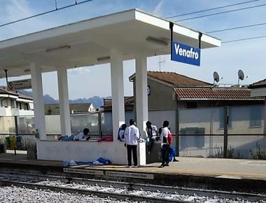 profughi-eritrei-stazione-venafro.jpg