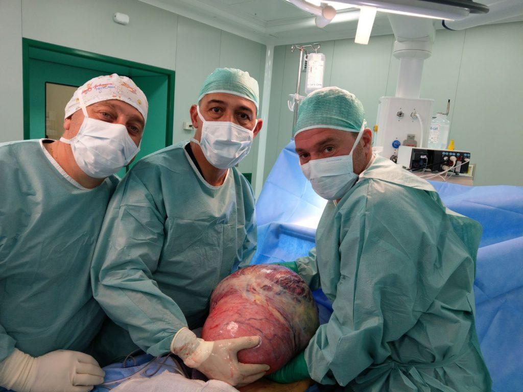 Campobasso, alla Cattolica asportata una massa tumorale di 12 chili e mezzo