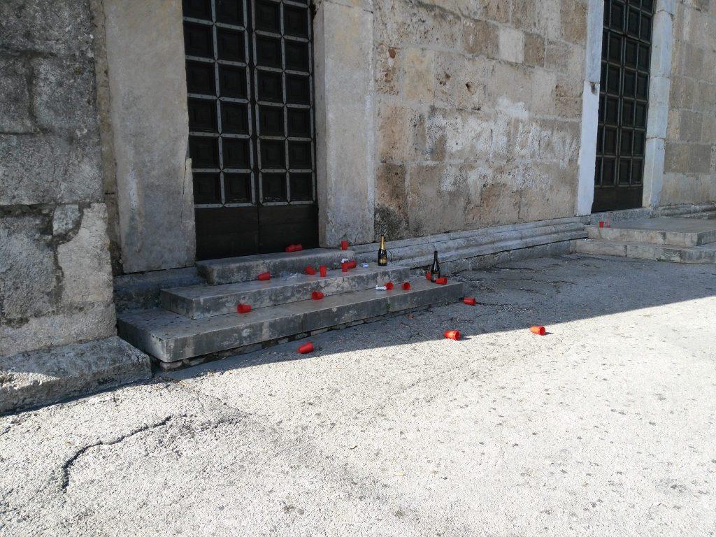 Venafro, Cattedrale preda dei vandali: indignazione sul web