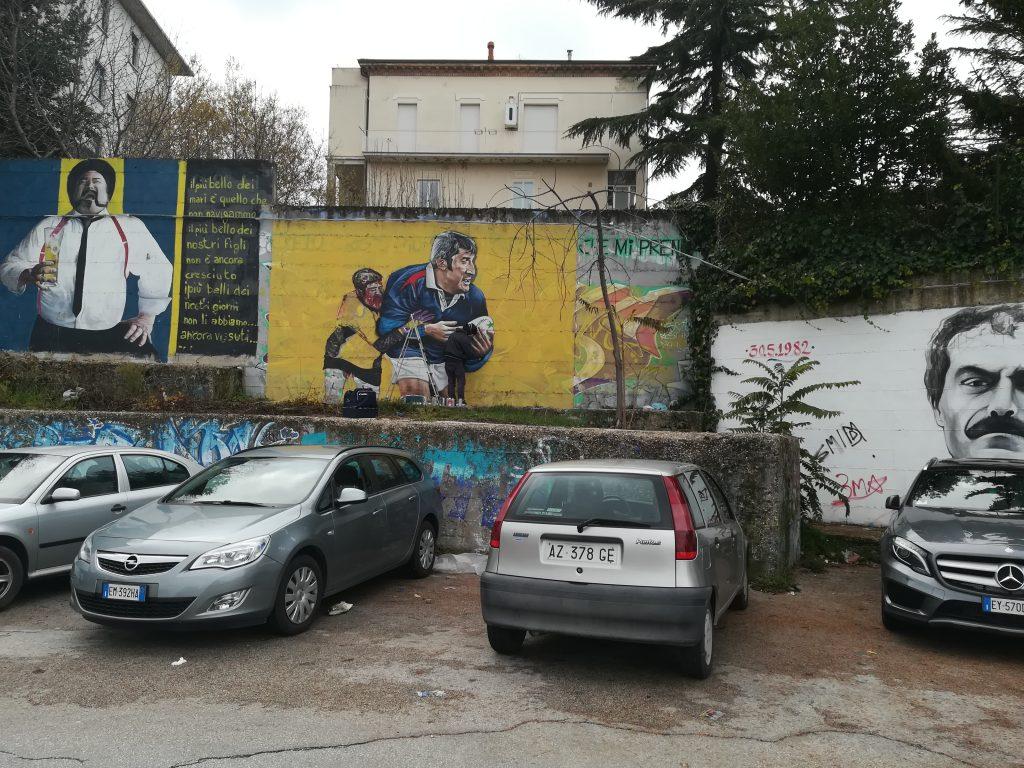 Il 'gigante buono' guarderà ancora i suoi ragazzi, al vecchio Romagnoli di Campobasso il murales per mister Credico