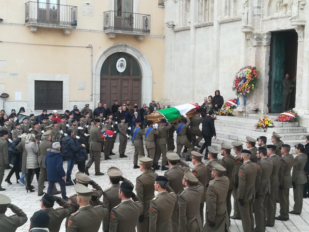 Termoli, picchetto d'onore per l'ultimo saluto a Fabrizio Ronchetti