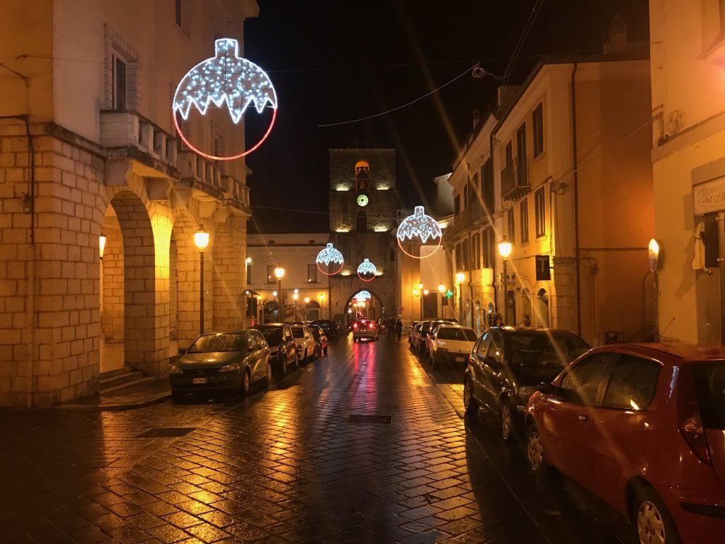 Natale a Isernia: si accendono le luci e pure le polemiche