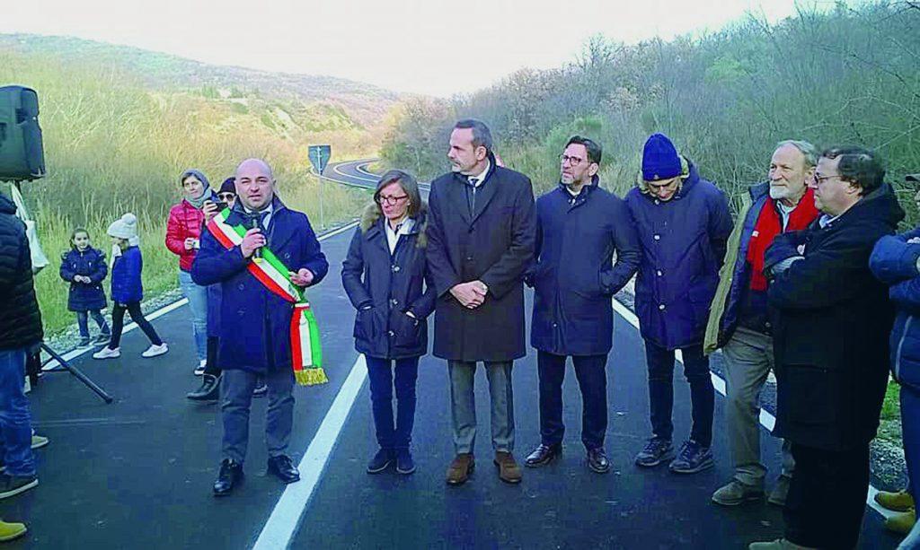 Strada 'Colle d'Ambra' off limits per Tir, autobus e mezzi agricoli
