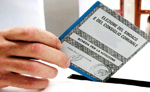Elezioni comunali, tutte le liste con i nomi degli aspiranti sindaci e consiglieri