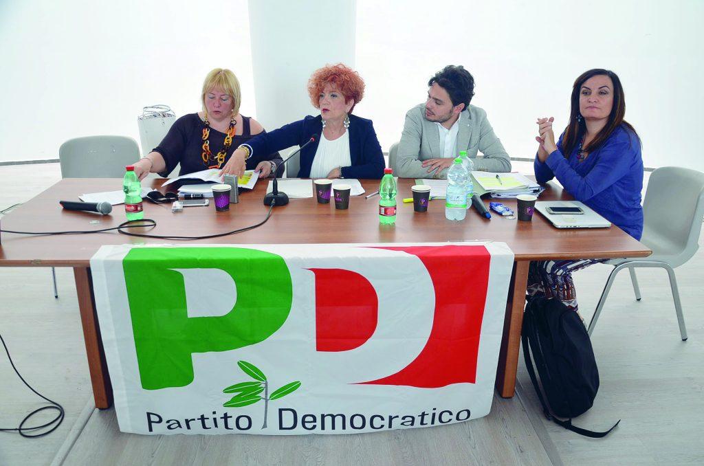 Il Pd prepara l'assemblea: direttorio fino alle primarie