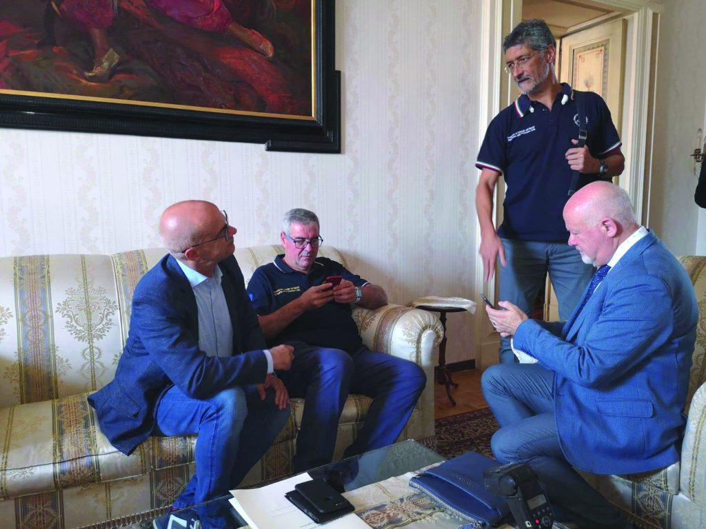 Vicinanza alla popolazione e ispezioni per la conta dei danni, torna Angelo Borrelli