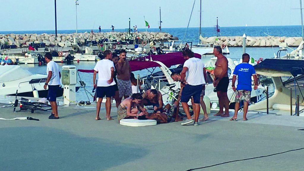 Esplode moto d'acqua al porto turistico di San Salvo, ferito un 35enne