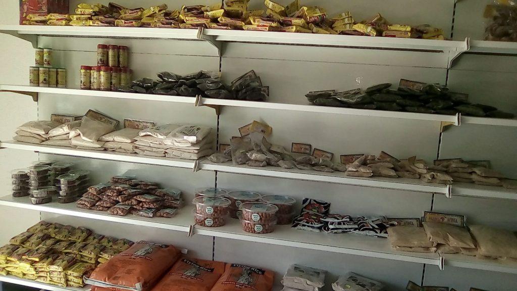 L'integrazione che funziona, a Campobasso il primo negozio ghanese aperto da migranti