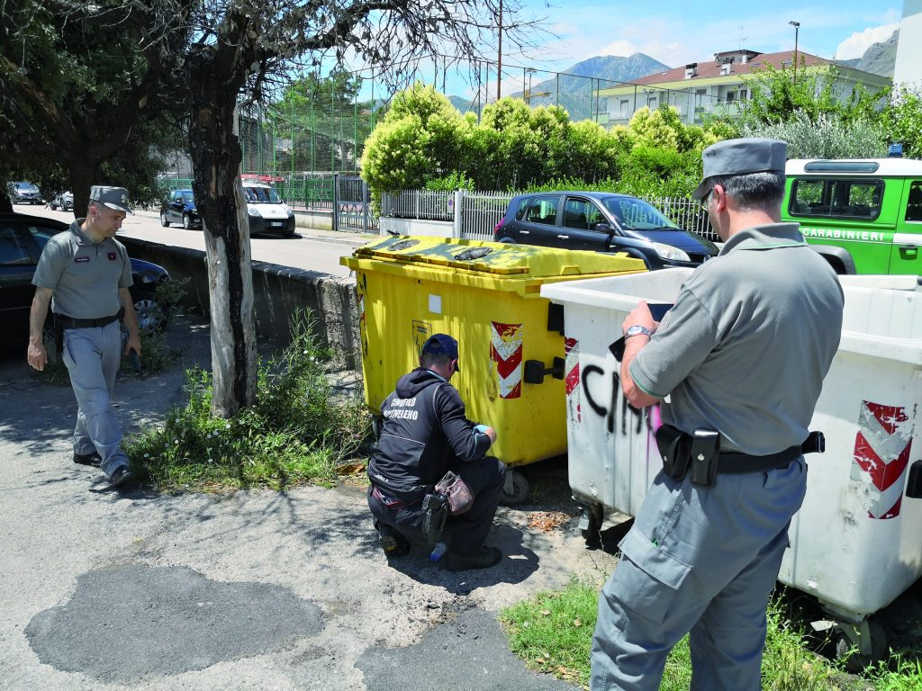 Bocconi avvelenati, nuovo caso in zona don Rocco: trovata l'esca