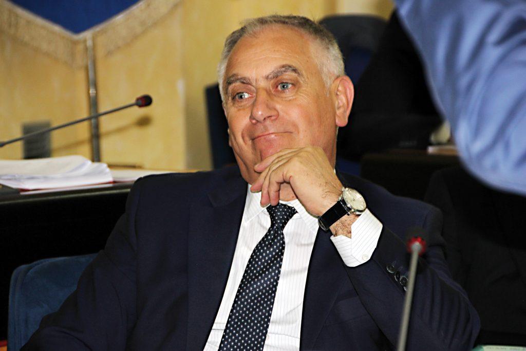 Deleghe azzerate, Popolari per l'Italia al fianco del governatore: «È tempo di fare chiarezza»