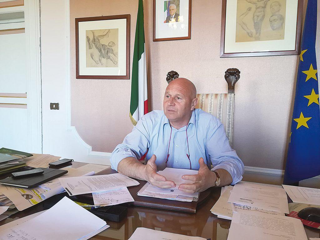 Scuola di via Gramsci a Campobasso, il sindaco: «Se non è sicura verrà chiusa»