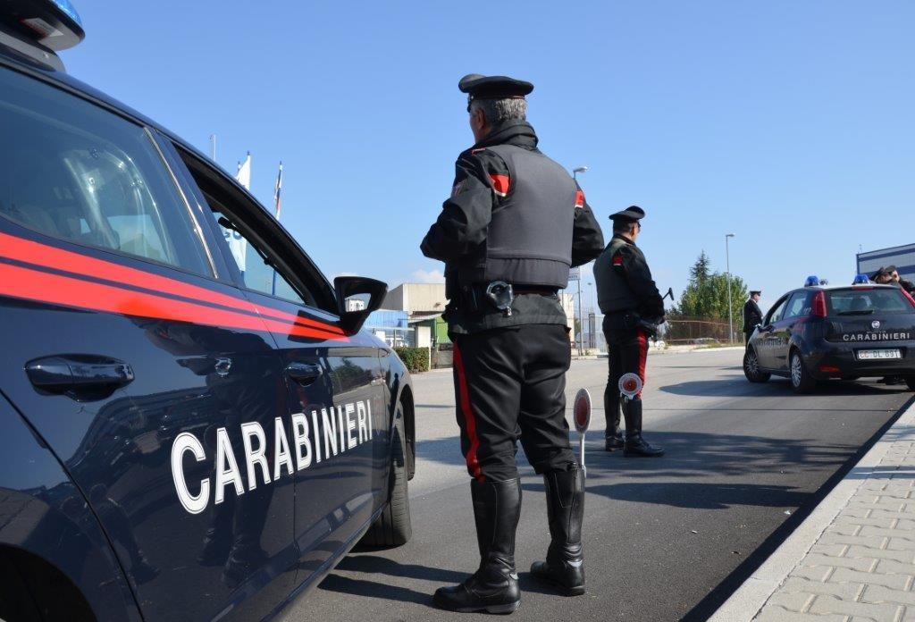 Campobasso, fa la pipì vicino a un locale in via XXIV Maggio: beccato dai Carabinieri