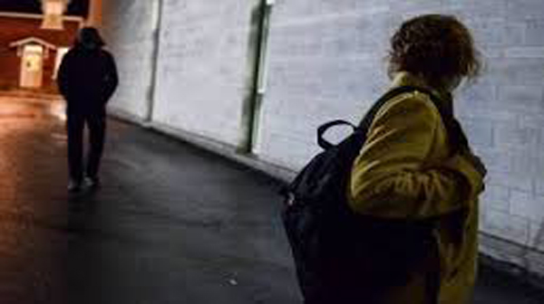 Campobasso, seguiva l'ex moglie con il gps dell'auto: stalker allontanato dalla Procura