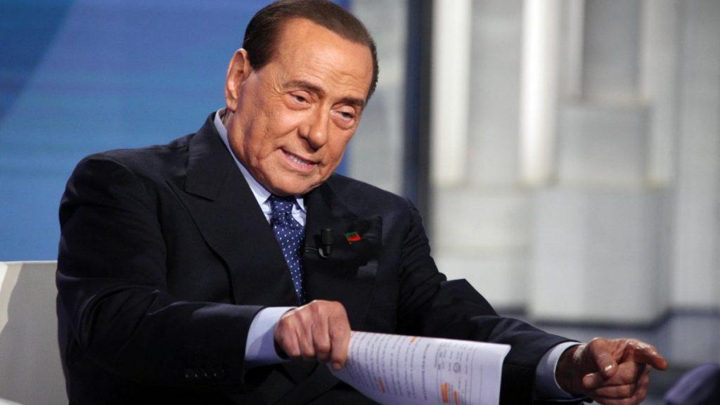 Berlusconi in campo: «I 5 Stelle? Sono come la peggiore sinistra»