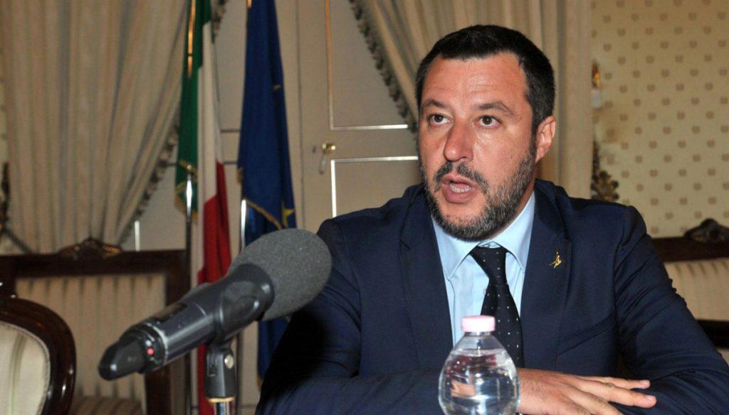 Il Viminale taglia i fondi ai Comuni, Salvini ha 30 giorni per spiegare perché