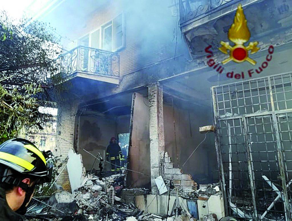 Palazzina esplode per una fuga di gas: pensionato isernino muore carbonizzato