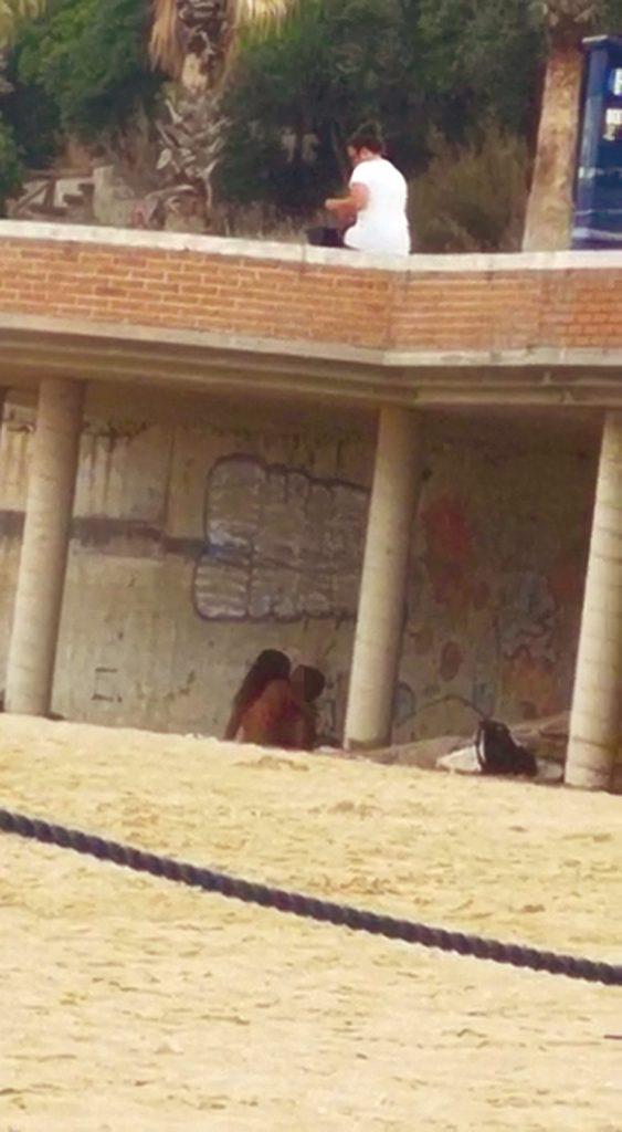 Termoli, sesso spinto tra due giovani in spiaggia