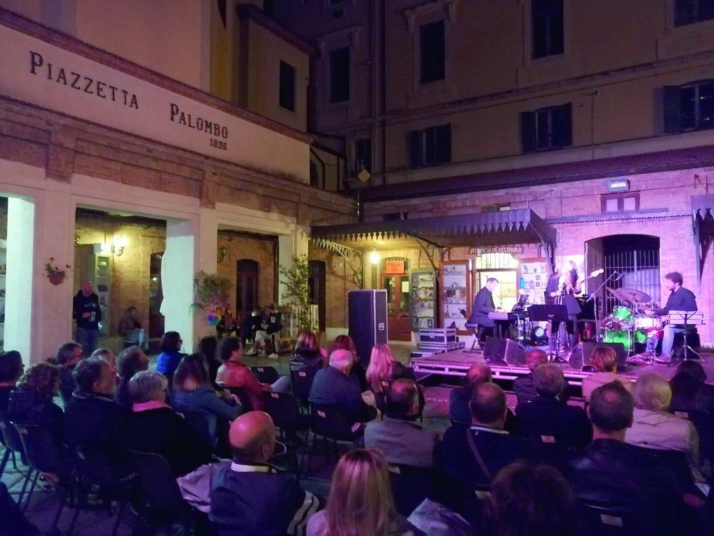 Campobasso, Borgo in jazz chiude con il segno più: grande successo per gli spettacoli in Piazzetta Palombo